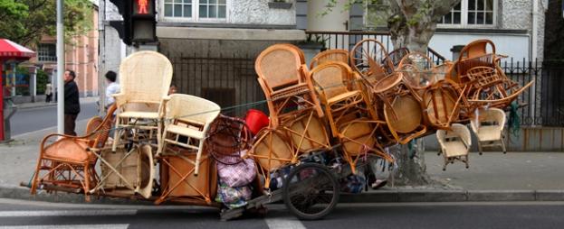 Mobilier de jardin en livraison, tracteur en carafe...