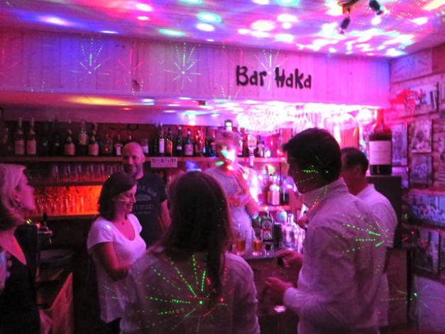 bar haka2